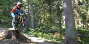 Хирург-экстремал из Черновцов спускался на велосипеде с горы Ай-Петри