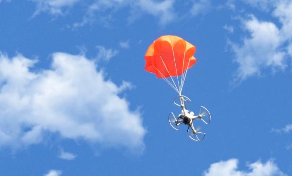 Для беспилотников придумали «умный» парашют