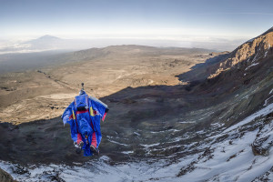 Валерий Розов вновь совершил бейс-прыжок с вершины Пти Дрю