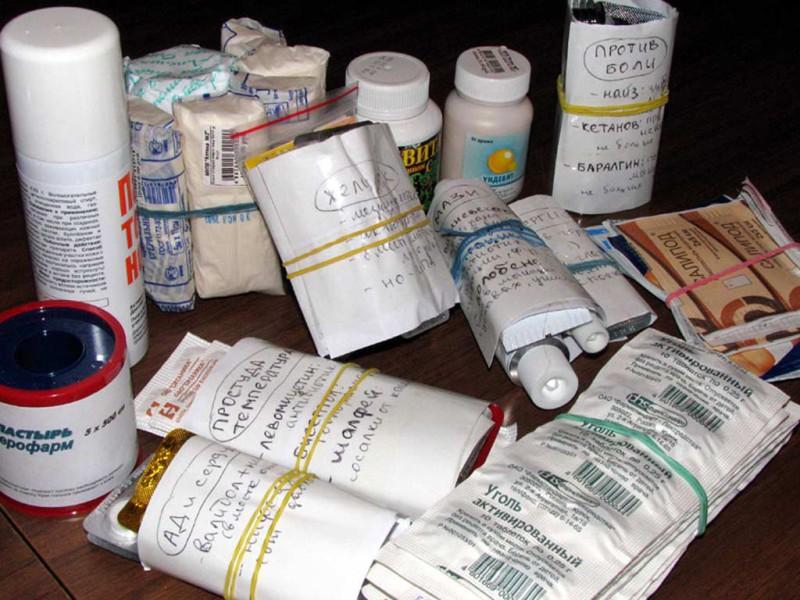 Как правильно собрать аптечку для похода