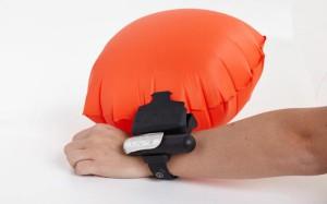 Новое изобретение спасательный браслет-подушка  (3)