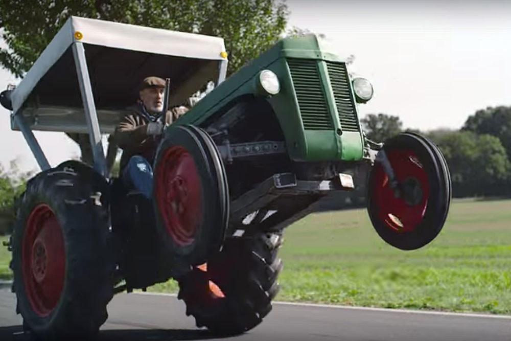 Видео крутого дрифта на тракторе набрало почти 2,5 млн. просмотров на YouTube