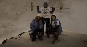 Андрей Родичев намерен подняться со штангой на Эверест