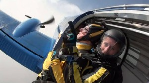 100-year-old man's incredible skydive from 10,000ft