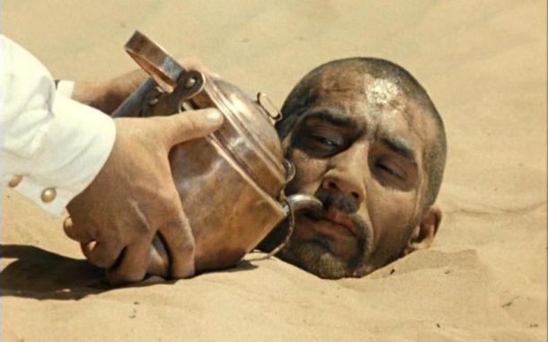 Необходимо распределять воду в пустыне