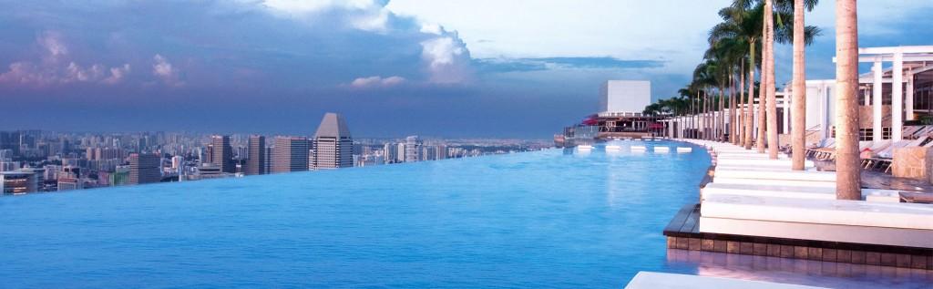 Сингапур. Бассейн на крыше небоскрёба