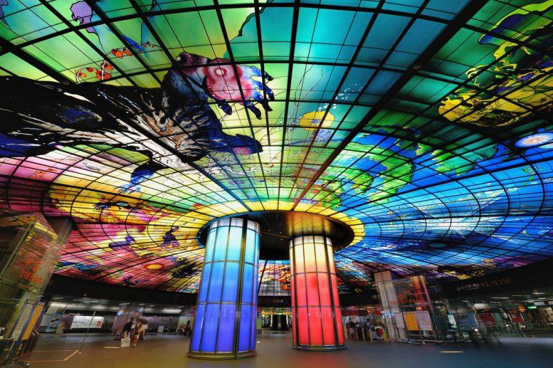 Станция метро «Formosa Boulevard Station»