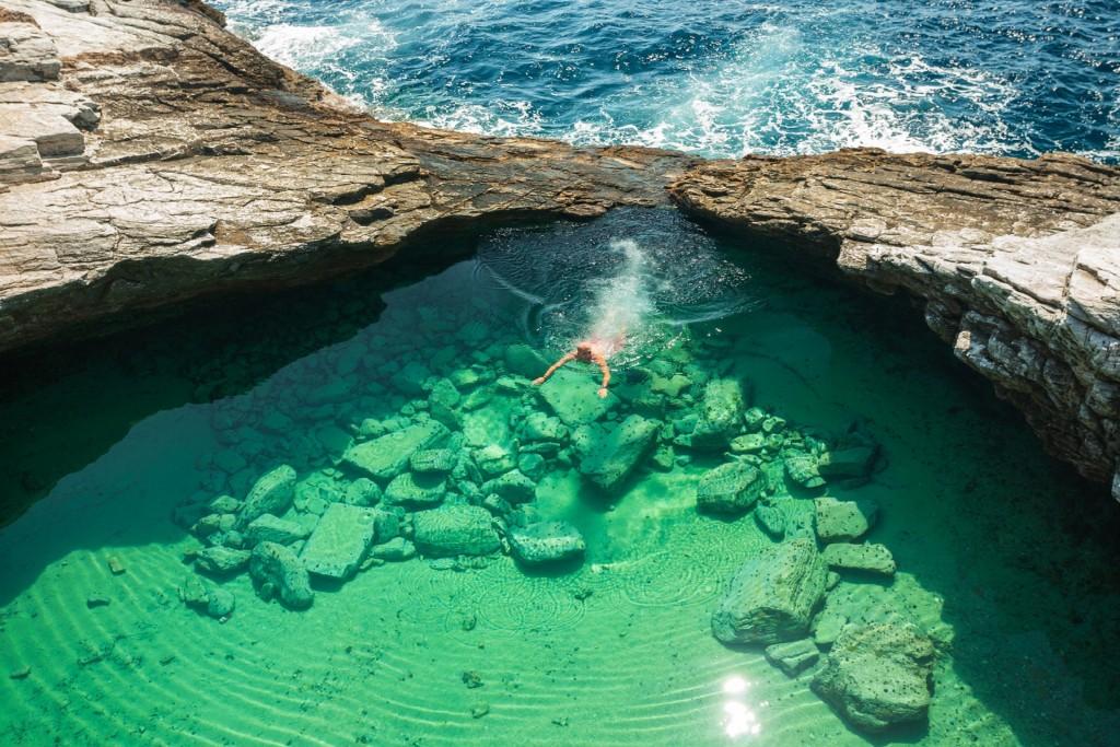 Греция. Бассейн, созданный Природой