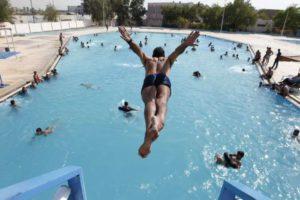 Прыжки в воду с 10- метровой вышки. Смешно или страшно?