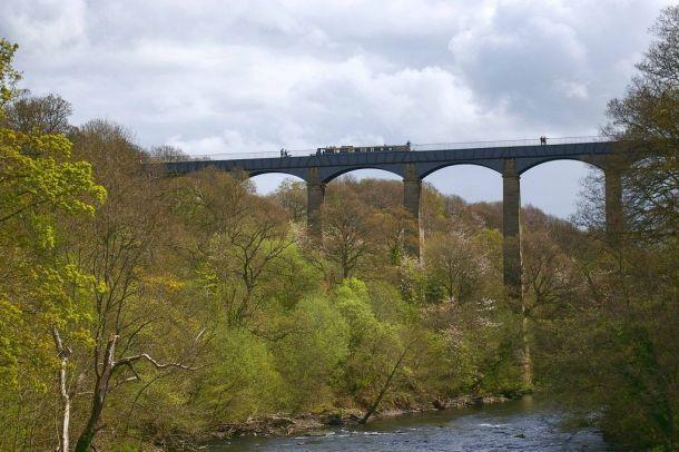 Акведук Понткисиллте на северо-востоке Уэльса, Великобритания