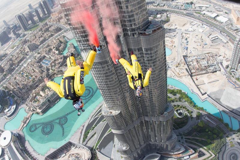 рекордний-стрибок-з-найвищої-будівлі-в-світі