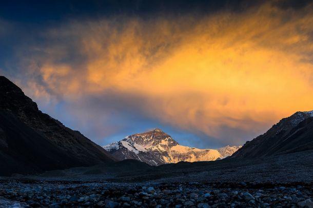 Джомолунгма (Эверест, Джумулангфенг, Сагарматха)
