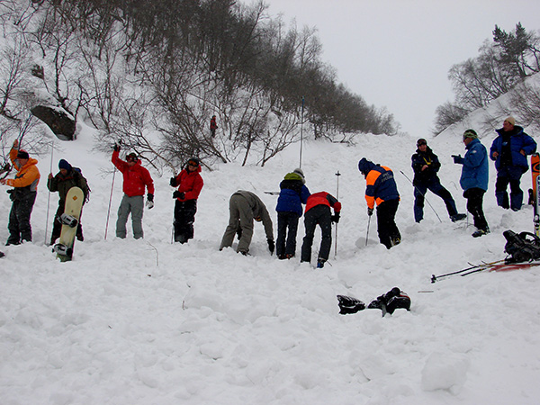 Лавинное снаряжение снижает риск попадания в лавину
